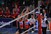 VOLLEYBAL: SNEEK: Sneker Sporthal, DELA League Play-Off Finale, 4e wedstrijd, 01-04-2012, VC Sneek DS1 - Sliedrecht Sport DS1, eindstand 1-3, blok van Martha Maltha (#9 | VC Sneek) en Roos van Wijnen (#11 | VC Sneek), ©foto Martin de Jong