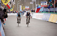 Sanne Cant (BEL) & Pauline Ferrand-Prevot (FRA/Rabobank-Liv) sprinting for the world champion title in the finish straight<br /> <br /> Elite Women's Race<br /> <br /> 2015 UCI World Championships Cyclocross <br /> Tabor, Czech Republic