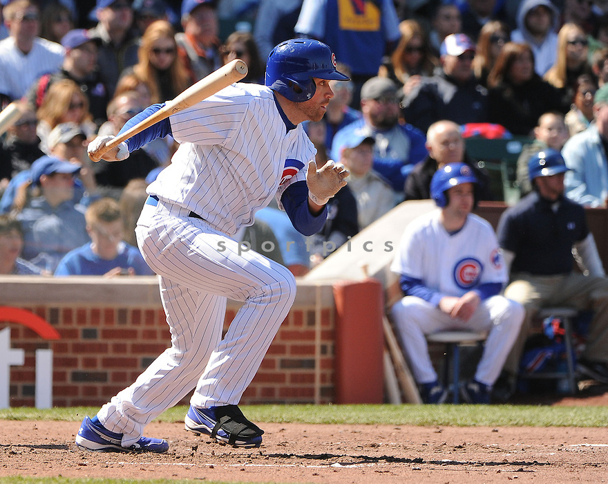 Chicago Cubs Nate Schierholtz (19) during a game against the San Francisco Giants on April 14, 2013 at Wrigley Field in Chicago, IL. The Giants beat the Cubs 10-7.
