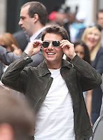 June 12, 2012:  Tom Cruise shooting on location for Oblivion in New York City. © RW/MediaPunch Inc. NORTEPHOTO.COM<br />
