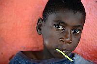 Zambia Chiawa, boy with lollipop / SAMBIA Chiawa, Junge mit Lutscher