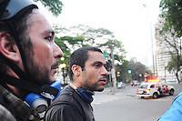 SAO PAULO, SP, 07.09.2013-O Fotografo Tercio Teixeira foi atingido por um tiro no queijo durante Confronto entre policia militar e manifestantes Black Bloc - Adriano Lima / Brazil Photo Press