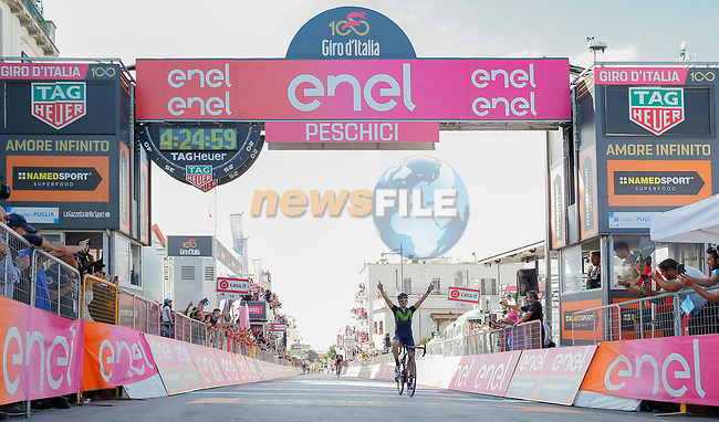 Gorka Izaguirre (ESP) Movistar Team wins Stage 8 of the 100th edition of the Giro d'Italia 2017, running 189km from Molfetta to Peschici, Italy. 1th May 2017.<br /> Picture: LaPresse/Simone Spada   Cyclefile<br /> <br /> <br /> All photos usage must carry mandatory copyright credit (&copy; Cyclefile   LaPresse/Simone Spada)