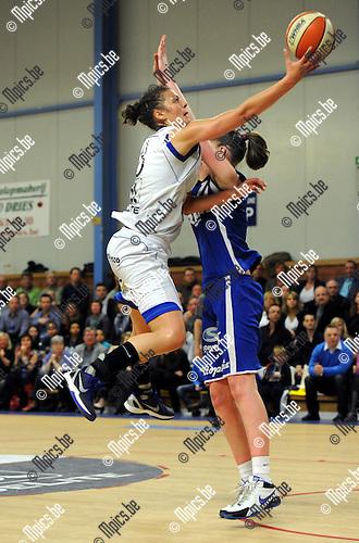 2012-04-21 / Basketbal / seizoen 2011-2012 / Kangoeroes Boom - Ieper / Hendrickx scoort voor Kabo..Foto: Mpics.be