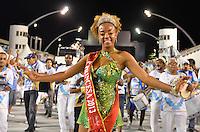 ATENÇÃO EDITOR FOTO EMBARGADA PARA VEÍCULOS INTERNACIONAIS - SÃO PAULO, SP, 02 DE FEVEREIRO DE 2013 - ENSAIO TÉCNICO NENÊ DE VILA MATILDE - Ensaio técnico da Escola de Samba Nenê de Vila Matilde na preparação para o Carnaval 2013. O ensaio foi realizado na noite deste sábado (02) no Sambódromo do Anhembi, zona norte da cidade. FOTO LEVI BIANCO - BRAZIL PHOTO PRESS