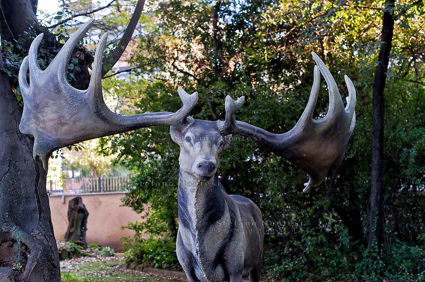 Roma 30 Dicembre 2014<br /> &quot;Dinosauri in Carne e Ossa&quot;, mostra di dinosauri e altri animali preistorici estinti, a grandezza naturale, allestita dall' Associazione paleontologica ambientale, all'Universit&agrave; La Sapienza di Roma. La mostra sara aperta fino al 31 Maggio 2015. La scultura di un Megaloceros giganteus.<br /> Rome December 30, 2014<br /> &quot;Dinosaurs in Flesh and Bones&quot;, an exhibition of dinosaurs and other prehistoric animals extinct, to life-sized, prepared by Association paleontological environmental, a La Sapienza University of Rome. The exhibition will be open until May 31, 2015. The sculpture of Megaloceros giganteus.