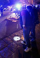 Il corpo di Gennaro Parisi ucciso dai killer in Via Piave a Napoli