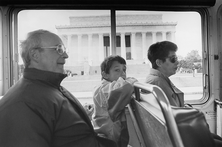 Henry Edelson, son David age 10 and wife Karen (from Arkansas) look down the mall with Lincoln Memorial in background. April 3, 1991 (Photo by Laura Patterson/CQ Roll Call)