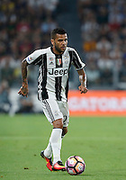 Calcio, Serie A: Juventus vs Fiorentina. Torino, Juventus Stadium, 20 agosto 2016.<br /> Juventus&rsquo; Dani Alves in action during the Italian Serie A football match between Juventus and Fiorentina at Turin's Juventus Stadium, 20 August 2016. Juventus won 2-1.<br /> UPDATE IMAGES PRESS/Isabella Bonotto