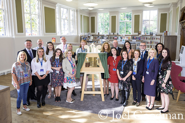© Joel Goodman - 07973 332324 - all rights reserved . NO ONWARD SALE OR SYNDICATION PERMITTED - ONLY FOR USE IN REPORTING THE LIVE STORY TO WHICH THE PHOTOGRAPH IS RELATED . 14/09/2017 . Liverpool , UK . Team photo after the Duke of Cambridge , Prince William , visits Life Rooms in Walton . Life Rooms provides community support to help people recover from mental health issues . Photo credit : Joel Goodman