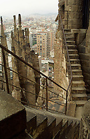 Antoni Gaudi, Antoni Gaudí, Templo Expiatorio de la Sagrada Familia, Barcelona Spain, Maurits Cornelis Escher type stairs stairway, Barcelona skyline, Cataloniia, España
