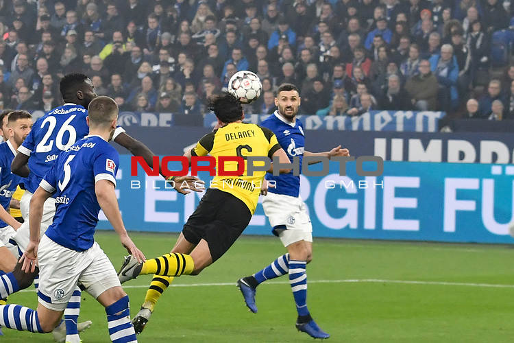 08.12.2018, Veltins-Arena, Gelsenkirchen, GER, 1. FBL, FC Schalke 04 vs. Borussia Dortmund, DFL regulations prohibit any use of photographs as image sequences and/or quasi-video<br /> <br /> im Bild Thomas Delaney (#6, Borussia Dortmund) macht das Tor zum 0:1<br /> <br /> Foto © nordphoto/Mauelshagen