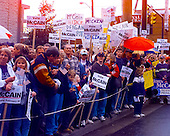 Crowds await United States Senator John McCain (Republican of Arizona) at a rally outside his presidential campaign headquarters on in Alexandria, Virginia on February 27, 2000..Credit: Ron Sachs / CNP