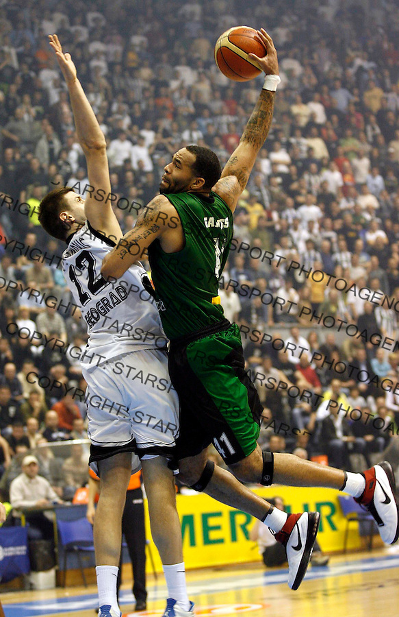 Kosarka, Euroleague TOP 16, season 2006/07<br /> Partizan (Belgrade) Vs. Joventut (Badalona)<br /> Charles Gaines, right and Novica Velickovic, left<br /> Beograd, 01.03.2007.<br /> FOTO: Srdjan Stevanovic