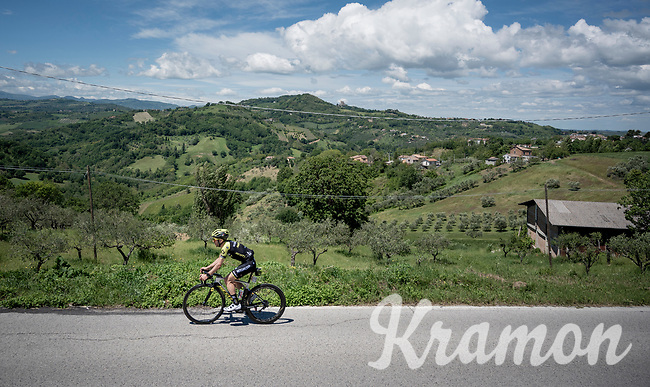 Simon Yates (GBR/Mitchelton-Scott) during the restday training ride aka 'coffee ride'<br /> <br /> restday 1 (20 may) of the 102nd Giro d'Italia 2019<br /> <br /> ©kramon