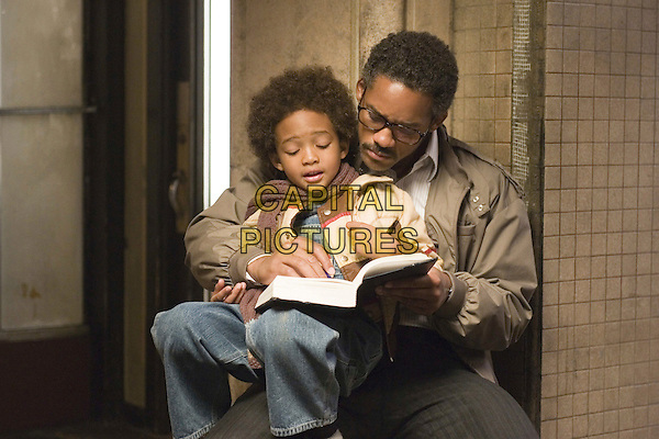 JADEN CHRISTOPHER SYRE SMITH & WILL SMITH .in The Pursuit of Happyness .**Editorial Use Only**.CAP/FB.Supplied by Capital Pictures
