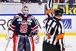 S&ouml;dert&auml;lje 2013-12-12 Ishockey Hockeyallsvenskan S&ouml;dert&auml;lje SK - Mora IK :  <br /> S&ouml;dert&auml;lje m&aring;lvakt 43 Sebastian Idoff har synpunkter p&aring; ett domslut i samband med utvisning p&aring; S&ouml;dert&auml;lje 24 Johan Andersson i den tredje perioden<br /> (Foto: Kenta J&ouml;nsson) Nyckelord:  diskutera argumentera diskussion argumentation argument discuss arg f&ouml;rbannad ilsk ilsken sur tjurig angry domare referee ref