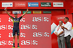 Adam Yates (GBR) Orica-Scott leads the young rider's classification on the podium at the end of Stage 10 of the 2017 La Vuelta, running 164.8km from Caravaca A&ntilde;o Jubilar 2017 to ElPozo Alimentaci&oacute;n, Spain. 29th August 2017.<br /> Picture: Unipublic/&copy;photogomezsport | Cyclefile<br /> <br /> <br /> All photos usage must carry mandatory copyright credit (&copy; Cyclefile | Unipublic/&copy;photogomezsport)