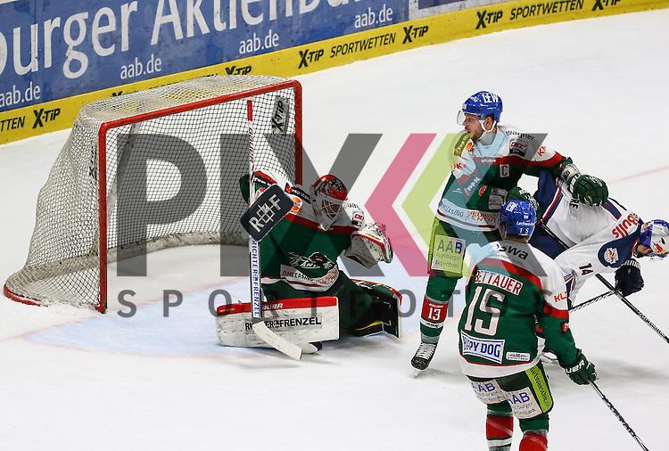 Markus Keller (Torwart Augsburger Panther #35) kassiert den Treffer zum 1:2, Steffen T&ouml;lzer, Toelzer (Augsburger Panther #13), Weitschuss Daryl Boyle (EHC Muenchen, nicht im Bild),<br /> <br /> Eishockey, DEL, Augsburger Panther vs. EHC RB M&uuml;nchen, 49. Spieltag, Saison 2014/15, 20.02.2015,<br /> <br /> Foto &copy; P-I-X.org *** Foto ist honorarpflichtig! *** Auf Anfrage in hoeherer Qualitaet/Aufloesung. Belegexemplar erbeten. Veroeffentlichung ausschliesslich fuer journalistisch-publizistische Zwecke. For editorial use only.