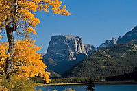 Autumn at Green River Lake and Square Top Mountain in the Wind River Mountains
