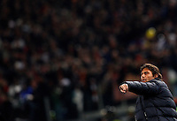 Calcio, quarti di finale di Coppa Italia: Roma vs Juventus. Roma, stadio Olimpico, 21 gennaio 2014.<br /> Juventus coach Antonio Conte gestures to his players during the Italian Cup round of eight final football match between AS Roma and Juventus, at Rome's Olympic stadium, 21 January 2014.<br /> UPDATE IMAGES PRESS/Riccardo De Luca