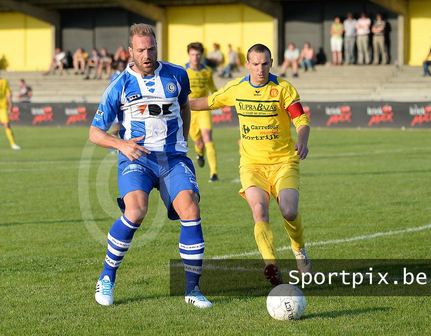 Gullegem - AA Gent :<br /> <br /> Laurent depoitre (L) is sneller op de bal dan Wouter Commeine (R)<br /> <br /> foto VDB / BART VANDENBROUCKE