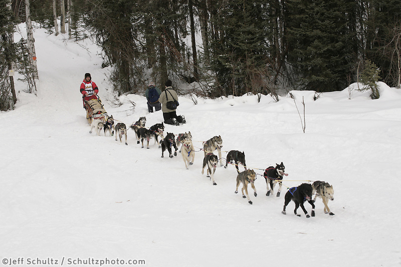 Jason Mackey Willow restart Iditarod 2008.