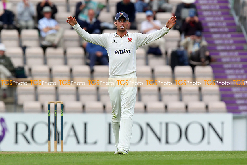 - Hampshire CCC vs Essex CCC - LV County Championship Division Two Cricket at the Ageas Bowl, West End, Southampton - 15/06/14 - MANDATORY CREDIT: Gavin Ellis/TGSPHOTO - Self billing applies where appropriate - 0845 094 6026 - contact@tgsphoto.co.uk - NO UNPAID USE