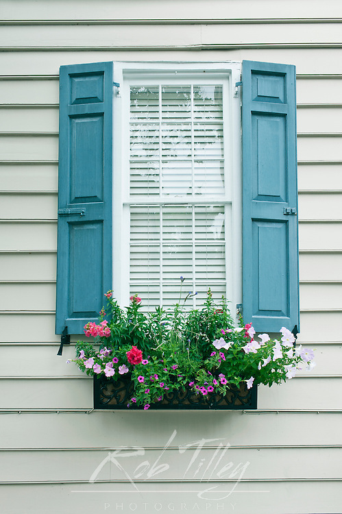 USA, SC, Charleston, Historic District, Windows with Flower Box on Colonial era House