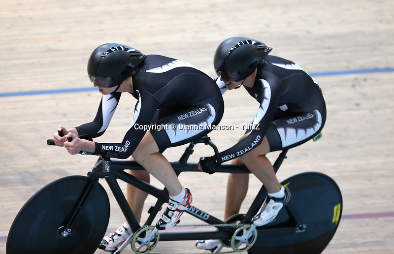 Kylie Young and Phillipa Gray at the 2015 Southland Track Championships and UCI Para-cylcing C1 Track Open, Sit Zero Fees Velodrome, Invercargill, New Zealand, Saturday, December 06, 2014. Credit:NINZ / Dianne Manson