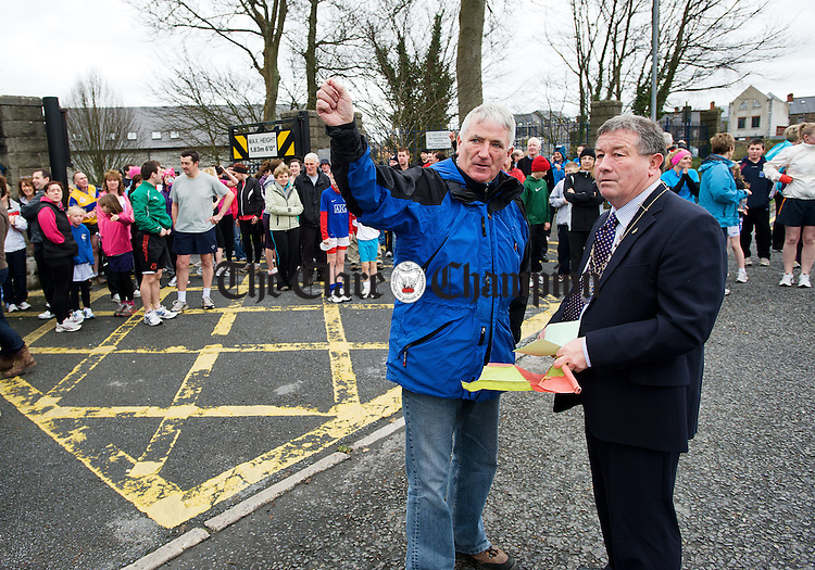 Joe Queally of the RNLI briefs  Mayor of Ennis Michael Guilfoyle on the route prior to the St Stephen's Day Turkey Trot organised by Marian Athletic, sponsored by Ennis Town Council in aid of the RNLI. Photograph by John Kelly.
