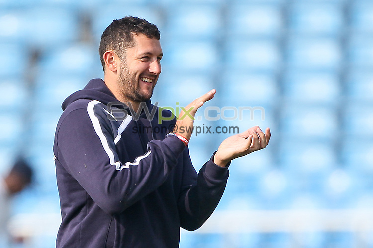Picture by Alex Whitehead/SWpix.com - 09/04/2015 - Cricket - Yorkshire CCC v Leeds/Bradford MCCU - Day 3 - Headingley Stadium, Leeds, England - Yorkshire's Tim Bresnan.