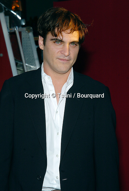 Joaquim Phoenix arriving at the Ladder 49 Premiere at the el Capitan Theatre in Los Angeles. September 20, 2004.