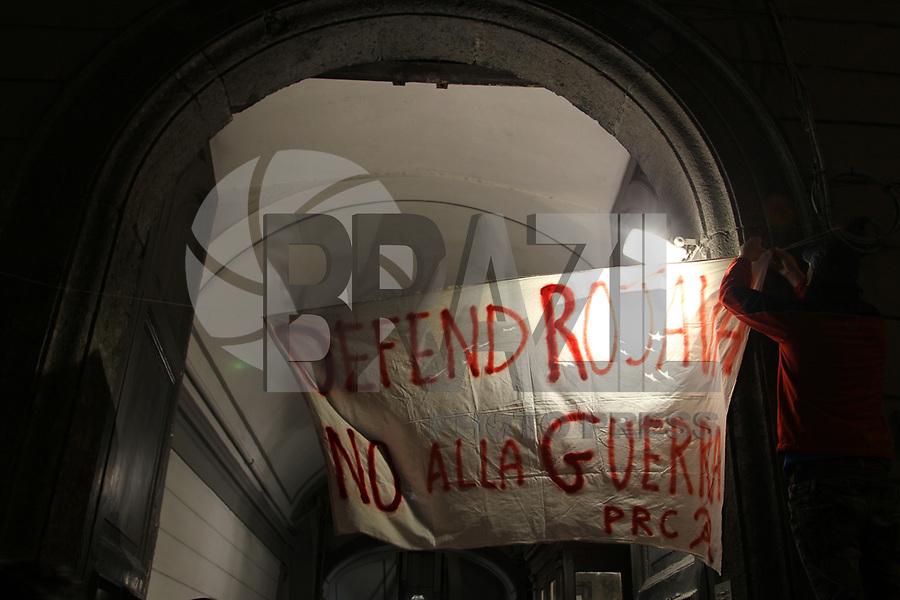 NAPOLI, ITALIA, 27.12.2018 - PROTESTO-ITALIA - Protesto pro ROJAVA em Napoli na Italia nesta quinta-feira, 27. (Foto: Salvatore Esposito/Brazil Photo Press)