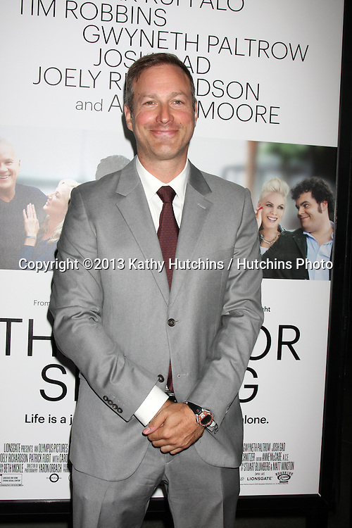 """LOS ANGELES - SEP 16:  Stuart Blumberg at the """"Thanks for Sharing"""" Premiere  at ArcLight Hollywood Theaters on September 16, 2013 in Los Angeles, CA"""