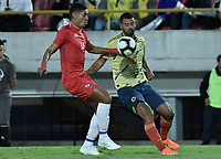 BOGOTA - COLOMBIA, 03-06-2019: Edwin Cardona jugador de Colombia disputa el balón con V Pimentel jugador de Panamá durante partido amistoso entre Colombia y Panamá jugado en el estadio El Campín en Bogotá, Colombia. / Edwin Cardona player of Colombia fights the ball with V Pimentel player of Panama during a friendly match between Colombia and Panama played at Estadio El Campin in Bogota, Colombia. Photo: VizzorImage/ Gabriel Aponte / Staff