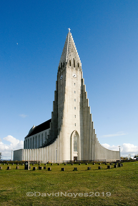 No visitor to Reykjavik will be able to avoid the most imposing architectural icon in the city, Hallgrímskirkja. Completed in 1974, Hallgrímskirkja was designed to resemble the basalt lava columns found throughout Iceland.