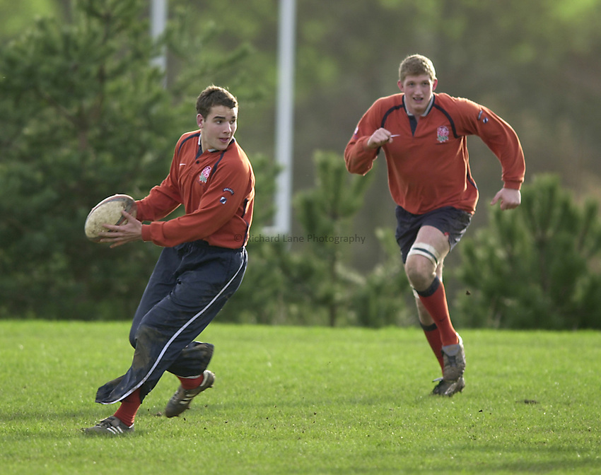 England Under 21's training.  Warwick University..Photo. Richard Lane..14-2-2002.Oliver Barkley looking to pass during a team run with Stuart Hooper running from deep