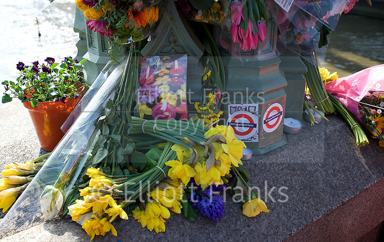 Westminster Bridge terror attack 22nd march 2017 - <br /> floral tributes to the people murdered in the terrorist attack by Khalid Masood<br /> <br /> 27th March 2017 <br /> Westminster Bridge , London, Great Britain <br /> <br /> Photograph by Elliott Franks <br /> Image licensed to Elliott Franks Photography Services