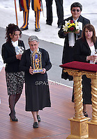 The relics of Vincenzo Grossi are displayed during a Holy Mass for the canonization of four new saints in St. Peter's Square in Vatican. -- Pope Francis celebrates a Holy Mass for the canonization of four new saints: Vincenzo Grossi, Mary of the Immaculate Conception, Louis Martin and his wife Zélie Guérin, the first-ever married couple with children to be canonized in the same ceremony..Vatican City, Vatican. 18th October 2015