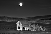 This old farm house is well known in the Palouse area in eastern Washington. The young kids at Washington State College in Pullman endlessly harass these land owners, coming out late at night, daring go into this haunted house. My visit was times to coincide with the rising nearly full moon. IF you happen to be in this area, please obey the signs and be kind to the landowners who understandably now keep a close eye on this property of their grandparents.