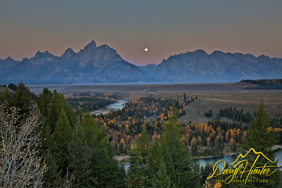 Moon over Snake River Overlook on a fine Autumn morning