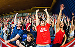 ****BETALBILD**** <br /> Uppsala 2015-04-24 Basket SM-Final 3 Uppsala Basket - S&ouml;dert&auml;lje Kings :  <br /> Uppsalas publik jublar under matchen mellan Uppsala Basket och S&ouml;dert&auml;lje Kings <br /> (Foto: Kenta J&ouml;nsson) Nyckelord:  Basket Basketligan SM SM-final Final Fyrishov Uppsala S&ouml;dert&auml;lje Kings SBBK supporter fans publik supporters jubel gl&auml;dje lycka glad happy inomhus interi&ouml;r interior