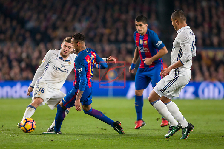 League Santander 2016/2017. Game: 14.<br /> FC Barcelona vs Real Madrid: 1-1.<br /> Kovacic, Neymar, Luis Suarez &amp; Casimiro.