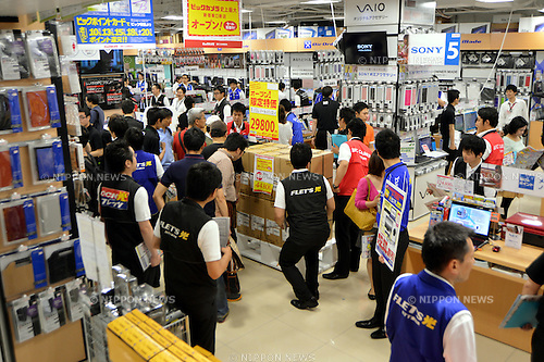 June 5, 2012, Tokyo, Japan - Shoppers browse the spacious floor of Bic Cameras largest store opened in Tokyos Shinjuku district on Thursday, July 05, 2012. The new outlet of Japans leading discount home electrical appliance is its third in the Shinjuku area and boasts the largest sales floor among the all Bic Camera shops. (Photo by Natsuki Sakai/AFLO) AYF -mis-..