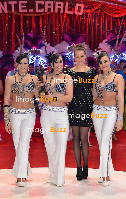 37th Monte-Carlo International Circus Festival Gala and Awards Ceremony. Pictured : Pauline Ducruet giving Bronze Clown to Gran Circo Mundial group.