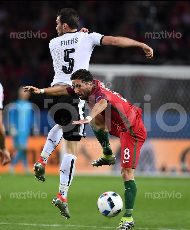 FUSSBALL EURO 2016 GRUPPE F IN PARIS Portugal - Oesterreich      18.06.2016 Christian Fuchs (li, Oesterreich) gegen Joao Moutinho (re, Portugal)