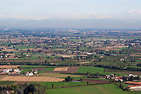 Veduta sulla Pianura Padana da Cigognola (Pavia) nell'Oltrepò Pavese --- View over the Padan Plain from Cigognola (Pavia) in the Oltrepò Pavese