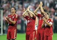 FUSSBALL   1. BUNDESLIGA  SAISON 2011/2012   7. Spieltag FC Bayern Muenchen - Bayer 04 Leverkusen          24.09.2011 JUBEL mit Daniel van Buyten, Bastian Schweinsteiger, Philipp Lahm  (v. li., FC Bayern Muenchen)