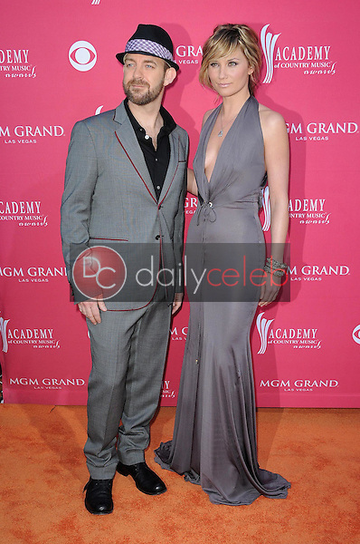 Sugarland<br />at the 44th Annual Academy of Country Music Awards. MGM Grand Garden Arena, Las Vegas, NV. 04-05-09<br />Dave Edwards/DailyCeleb.com 818-249-4998